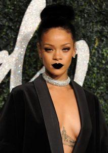 Rihanna Black Lipstick