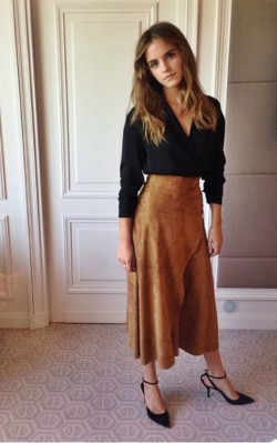 Emma Watson boho inspiration brown suede skirt and black top