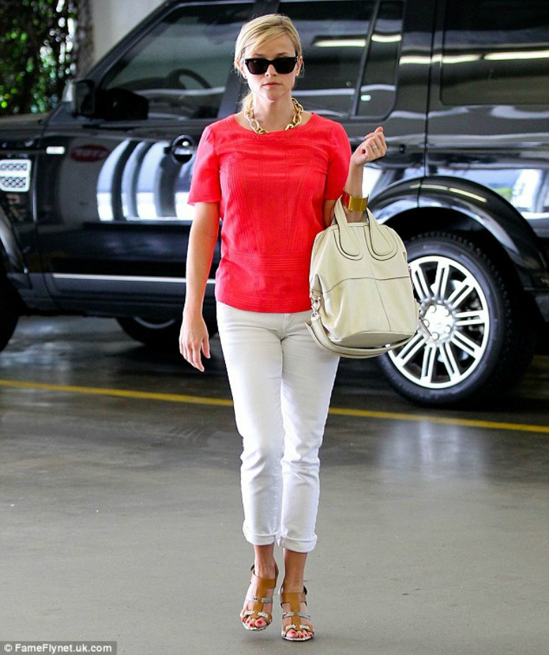 Reese Withersppon - White Jeans