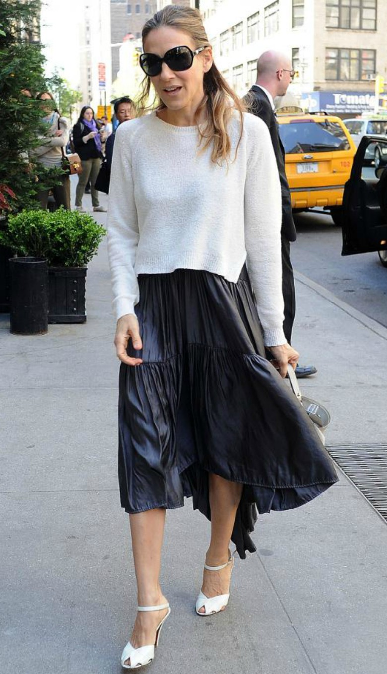 Sarah Jessica Parker street style, white/ creme cashmere jumper with black skirt and heels - shop the look